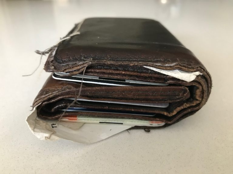 RFID blocking wallets and purses, photo